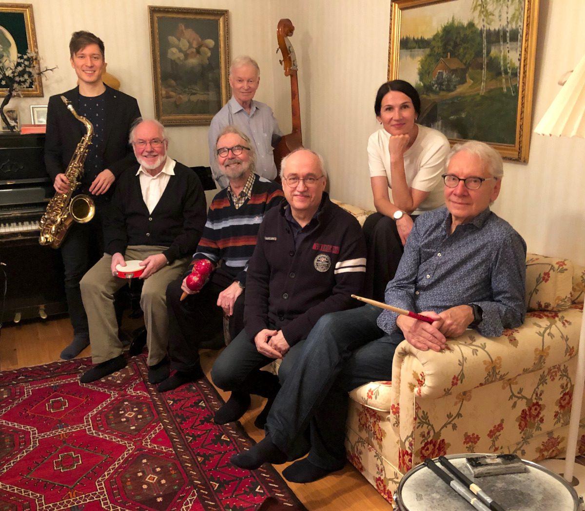 Kaivokatu Swing Bandin jäsenet.