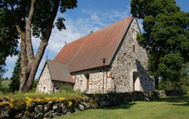 Lemun harmaakivinen kirkko.